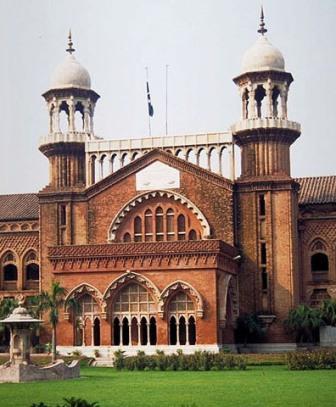Lahore High Court bans plastic bags